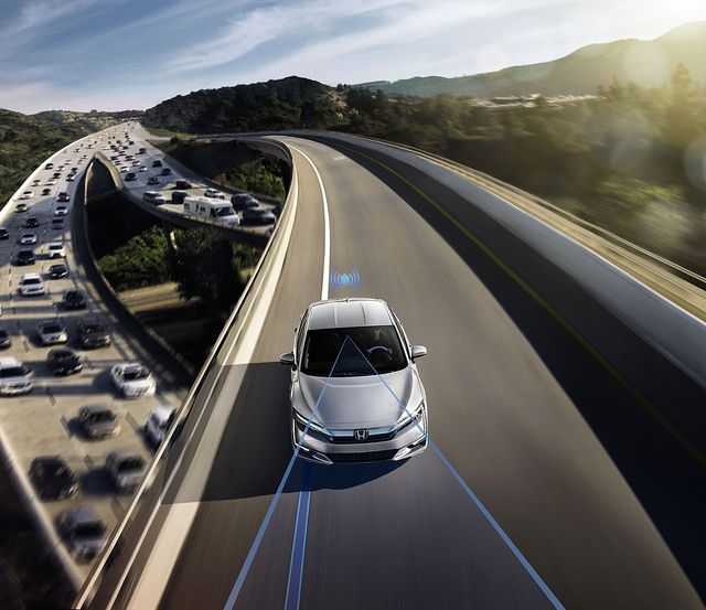 Smart Intersection Technology: Honda Vehicle-to-Environment Systems